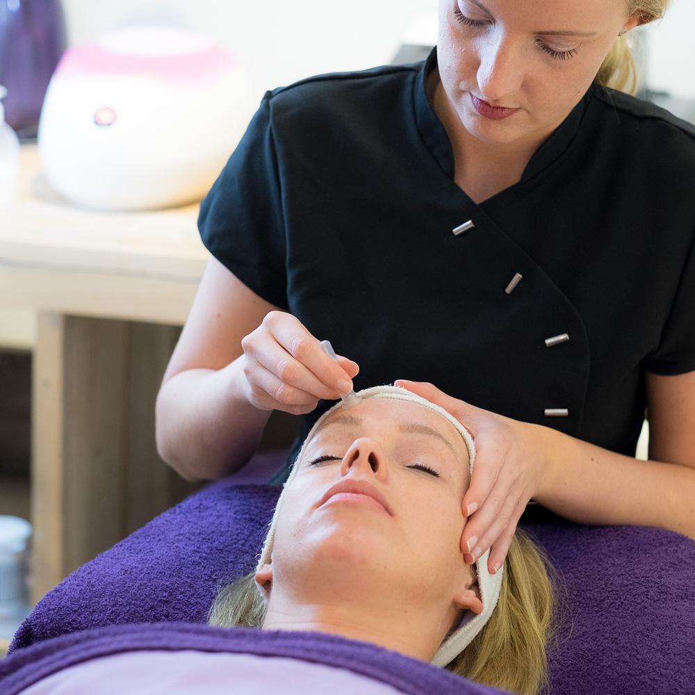bindweefsel,gelaat,salon,gezicht,verzorging,huid,schoonheid,specialiste